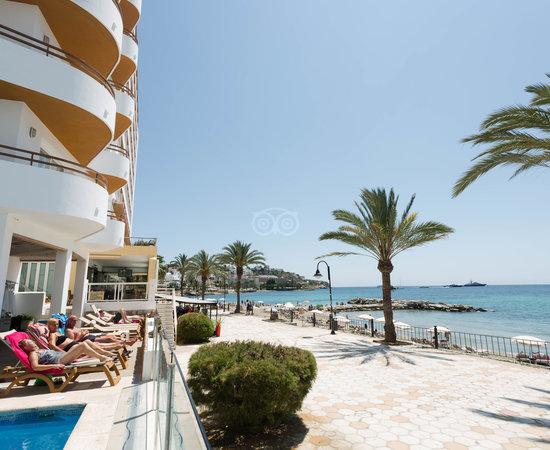 hotel ibiza playa espagne voir les tarifs 26 avis et 359 photos. Black Bedroom Furniture Sets. Home Design Ideas