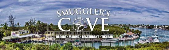 Smugglers Cove Restaurant and Bar: Highway View