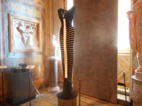 """Galleria Borghese: """"bondage nero """""""
