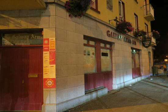 Galway Arms Inn : Everything was CLOSED