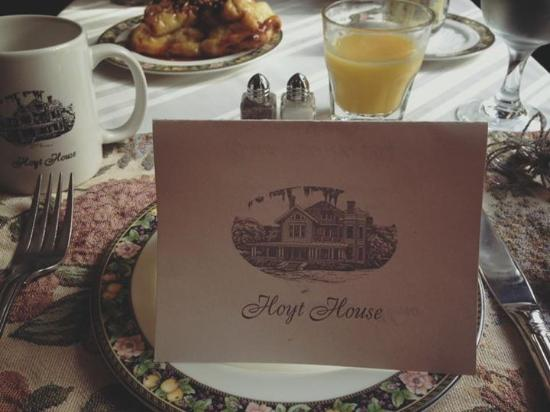 Hoyt House Inn: You will feel fancy when eating breakfast!