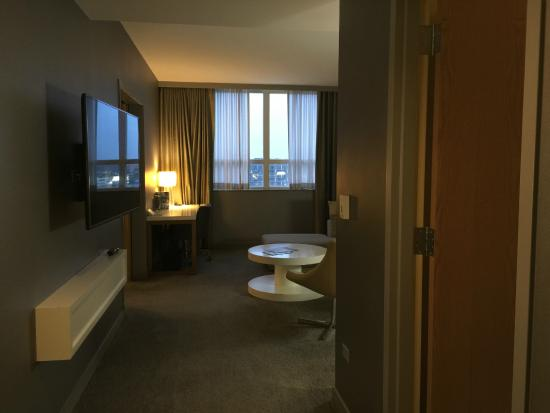 Bedroom Of The One Bedroom Suite Picture Of Loews Chicago O 39 Hare Hotel Rosemont Tripadvisor