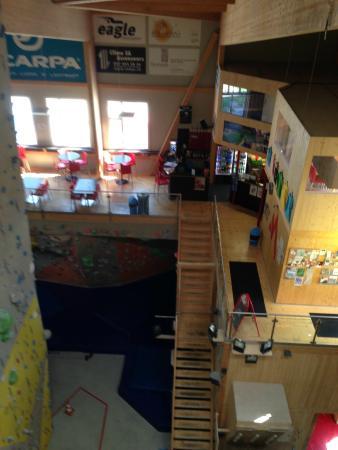 Dans la salle de grimpe
