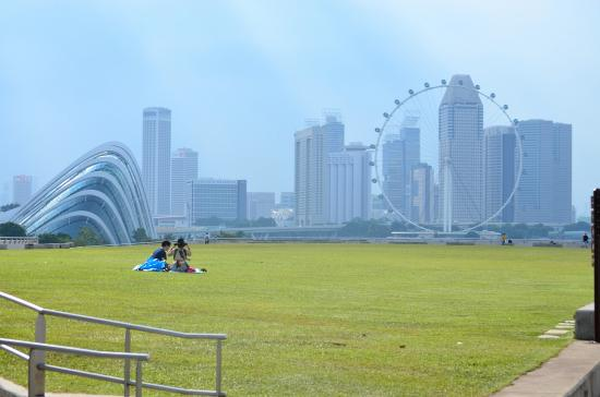 Marina Barrage: Overall View