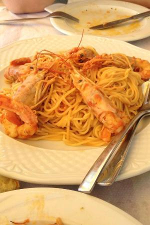 Kalamakia Tavern: Spaghetti and prawns