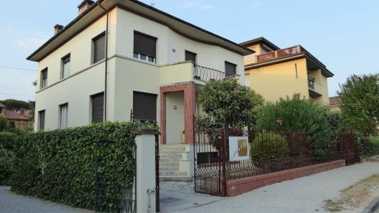 Lucca in Villa Elisa: Villa Elisa,  bonita pero sin ascensor
