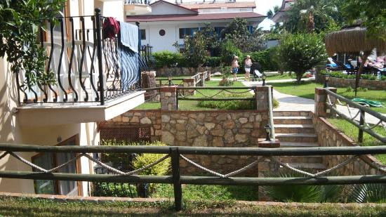 Ata Lagoon Beach Hotel: 511, 512 НОМЕРА - это в подземелье (вниз по лестнице)