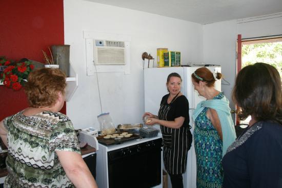 Foxglove Inn and Gardens: Chef Kelly describes her menu
