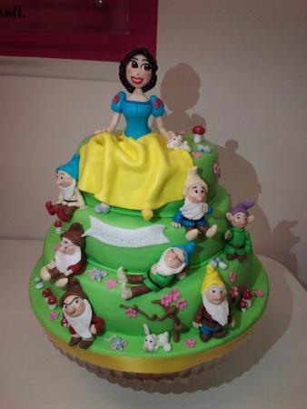 Accessori Cake Design Vicenza : torta biancaneve - Picture of Fantasia Cake Design ...
