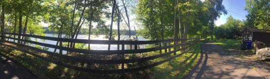 Suffield, CT: Panorama view