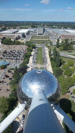 Atomium: 1