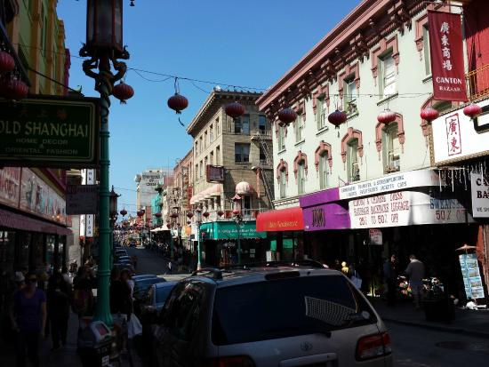 Chinatown: Narrow Street