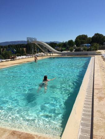 Grillon, France : piscine