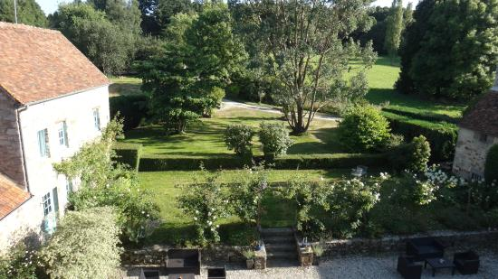 Belle Vallee: английский сад