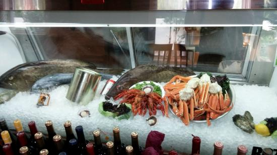 Seafood display picture of palm valley fish camp ponte for Ponte vedra fish camp
