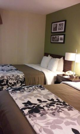 Sleep Inn Airport: just checked in  so far so good.