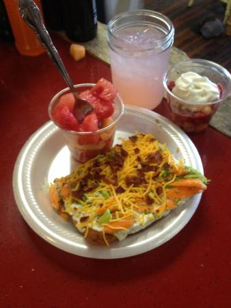 Fowler, Kolorado: Daily homemade lunch special!
