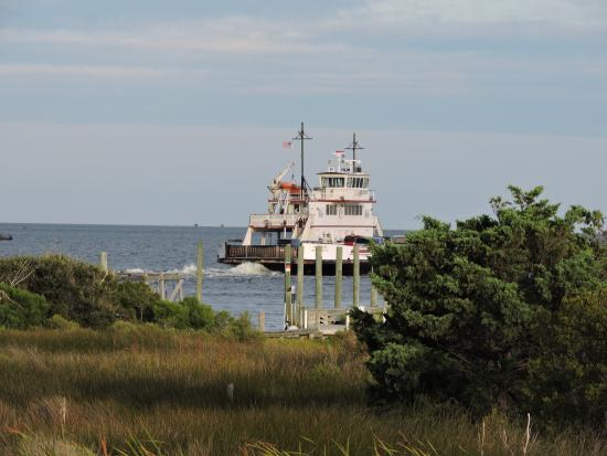 The Villas of Hatteras Landing: see the ferries go.... they are NOT noisy at all