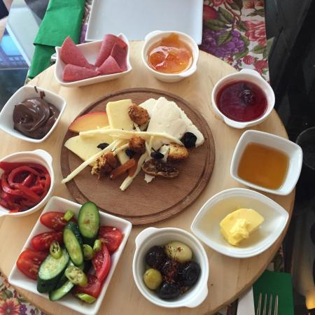 Cook Point Boutique Restaurant: Délicieux petit déjeuner turc