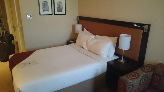Stay Easy Rustenburg: Confortable room.