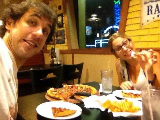 International Drive: pizza hut