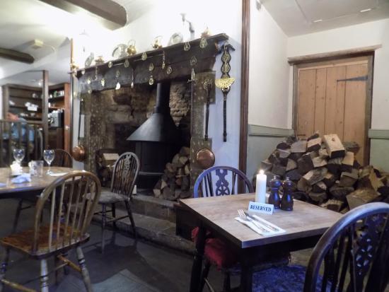 Freshford, UK: inside the Inn