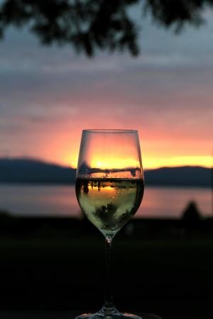 Inn at Shelburne Farms: Doesn't get any better than sitting in an Adirondack chair watching the sunset having a wine.