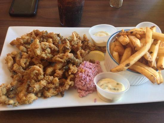 Dockside Restaurant and Bar: Clams & Chips