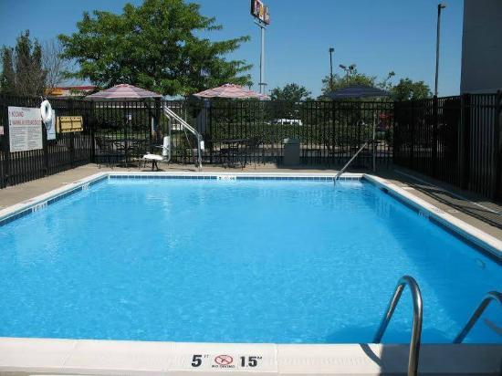 Sleep Inn: Swimming Pool