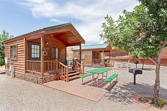 Cabin exterior picture of moab valley rv resort for Moab utah cabins
