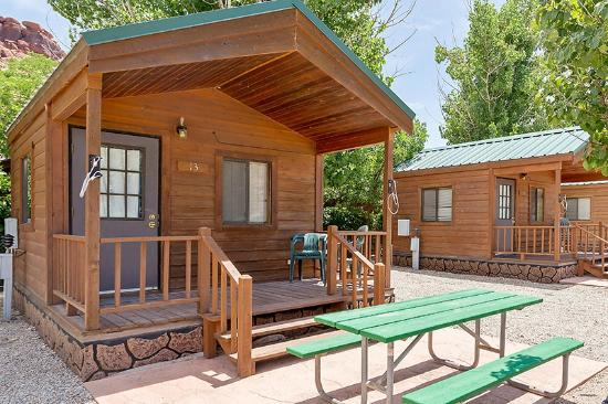 Moab Valley RV Resort & Campground: Cabin exterior