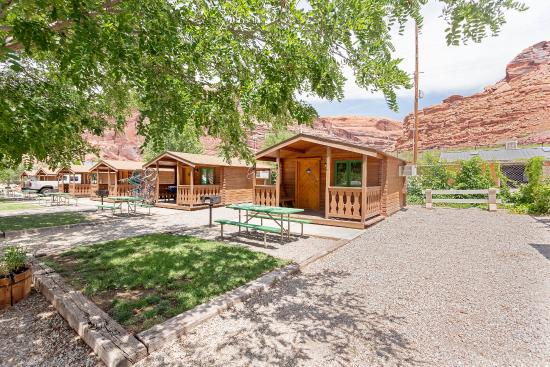 Moab Valley RV Resort & Campground: Cabins
