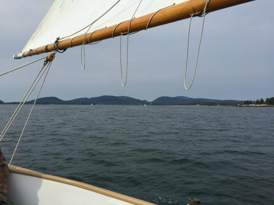 ‪Downeast Sailing Adventures‬
