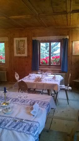 Chasa De Capol : eine der Stuben wo das Abendessen stattfindet