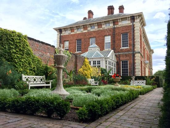 Beningbrough Hall, Gallery and Gardens: photo7.jpg