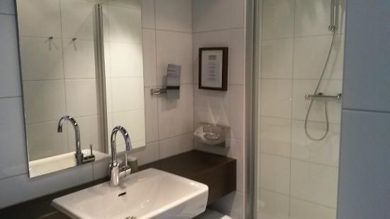 Boutique Hotel Lumiere: Bathroom