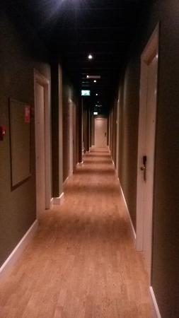 Boutique Hotel Lumiere: Corridor