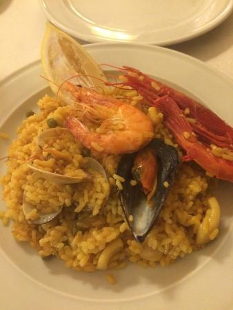 La Barraca: Delicious Seafood Paella