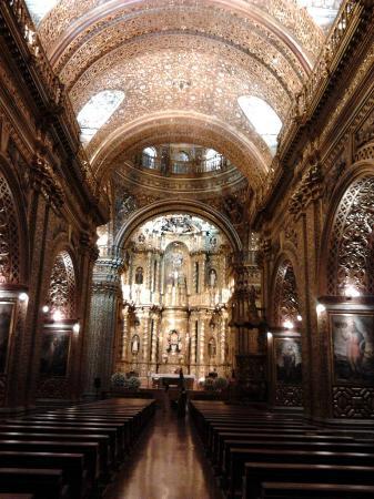 Iglesia de La Compania de Jesús: No sabia que esta prohibido sacar fotos.