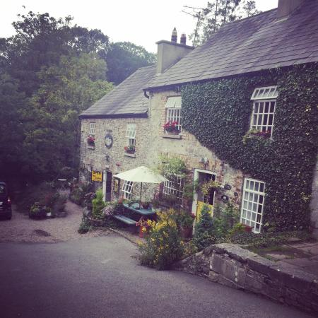 Ambledown Tea Rooms: Quirky spot with delicious pizza!!