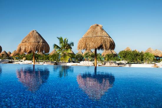 Beloved Playa Mujeres: Pool