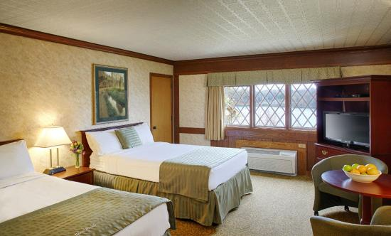 Punderson Manor Lodge and Conference Center: Guest room