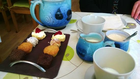 Rhydlewis, UK: Tea and Cakes