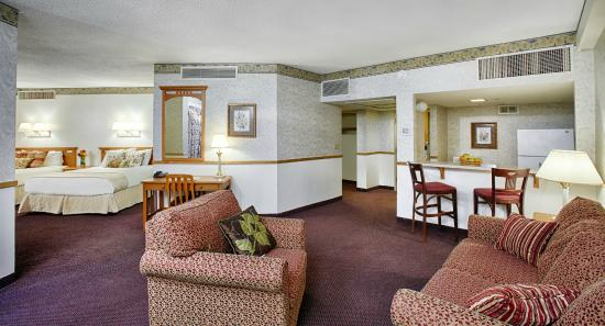 Mount Sterling, OH: Two queen suite