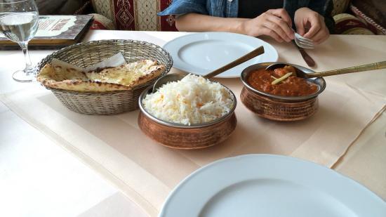 Restaurant Taj Mahal: Basmati reisが付いてくる