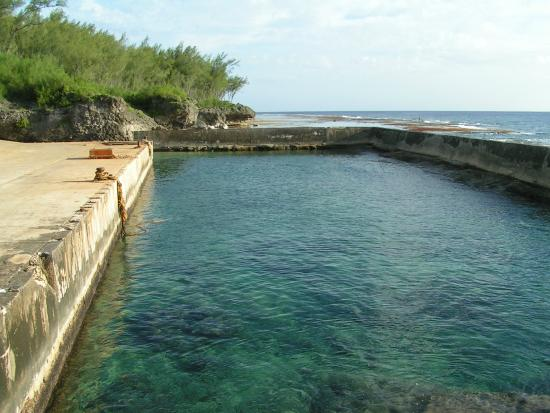 Atiu, Kepulauan Cook: Harbor swimming area