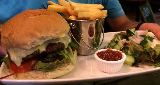 Black Bull Inn and Hotel: Cumberland sausage, burger and Hake meals.