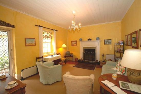 Markdale Homestead : Sitting Room in the Two Bedroom Stone House