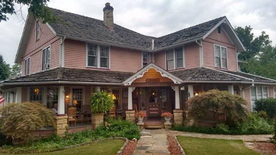 The Inn at Mountain View: Lovely 19 th century house