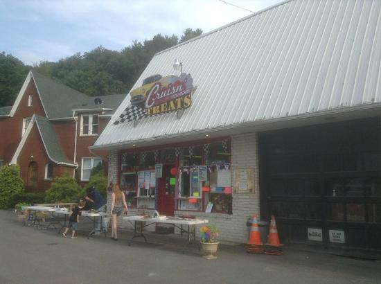 Westernport, MD: Front of the restaurant